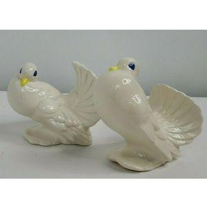 Vintage Pair Of Ceramic Doves Glazed Figurines